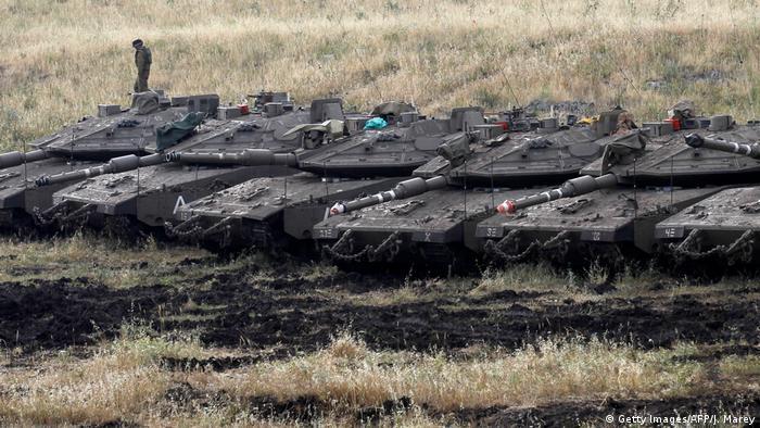 Israelische Panzer auf den Golanhöhen