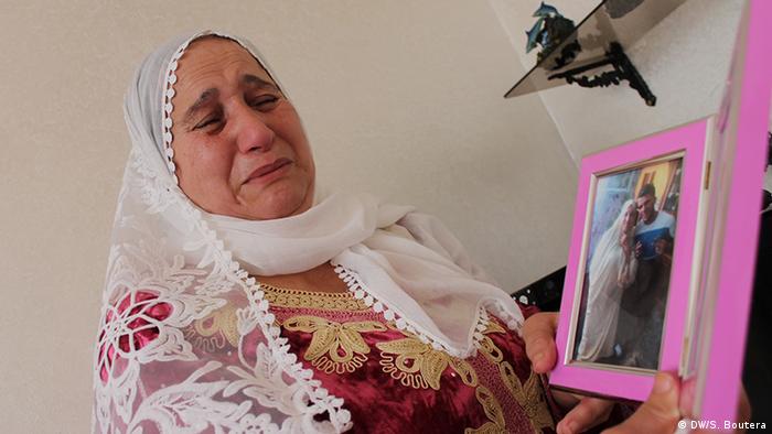 الجزائرية رحمة أرحاب في انتظار لا ينتهي لفلذة كبدها