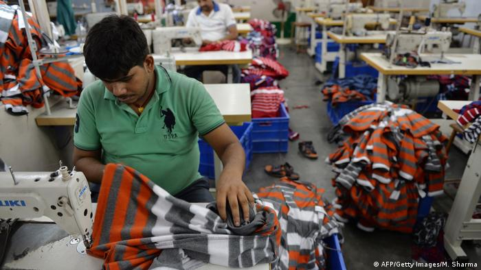 Bekleidungsfabrik in Indien (AFP/Getty Images/M. Sharma)