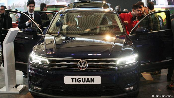 کمپانی خودروسازی فولکس واگن هم تصمیم داشت از اواسط سال ۲۰۱۷ میلادی با کمک ایران خودرو و ماموت با مدلهای تیگوان و پاسات وارد بازار ایران شود. این خودروها در نمایشگاه بینالمللی خودرو تهران در سال گذشته نیز عرضه شدند.