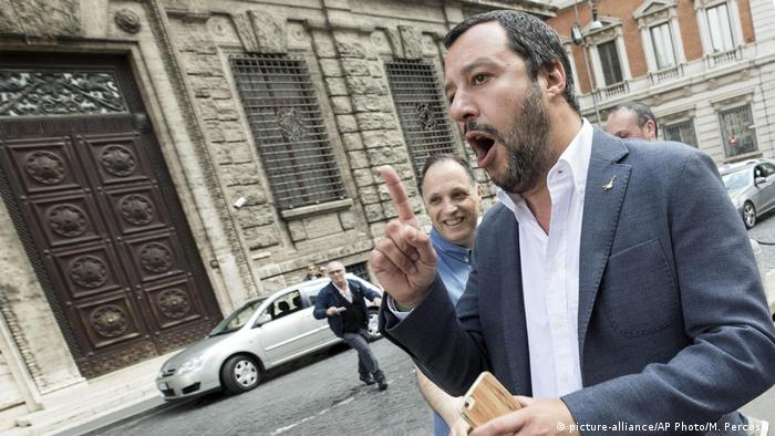 Italien Regierungsbildung | Matteo Salvini (picture-alliance/AP Photo/M. Percossi)