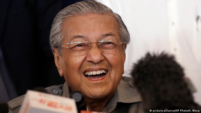 Malaysia Mahathir Mohamad in Kuala Lumpur (picture-alliance/AP Photo/A. Wong)