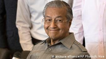 Malaysia Mahathir Mohamad in Kuala Lumpur (picture-alliance/AP Photo/A. Hoe)
