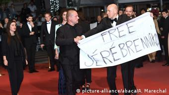 71. Filmfestival in Cannes Premiere vom Film Leto | Protestaktion