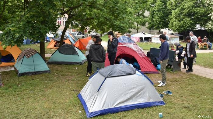 Izbjeglički šatori u parku u Sarajevu
