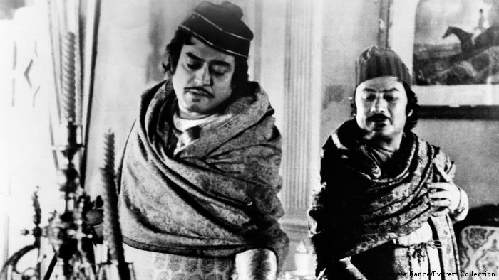 Indische Schauspieler - Sanjeev Kumar und Saeed Jaffrey (picture-alliance/Everett Collection)