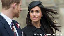 Royale Hochzeit: Meghan Markle sieht Prinz Harry verliebt an