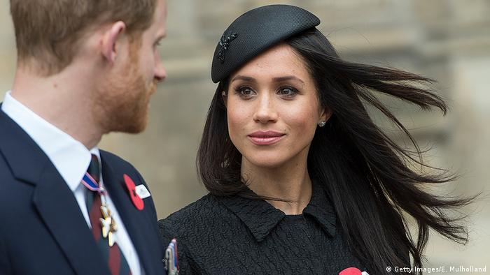uk s prince harry and meghan to give up senior royal roles news dw 08 01 2020 uk s prince harry and meghan to give