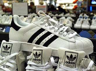 dbe8f9d1f59 Νέοι δασμοί στα κινέζικα παπούτσια; | Ευρώπη | DW | 27.02.2006