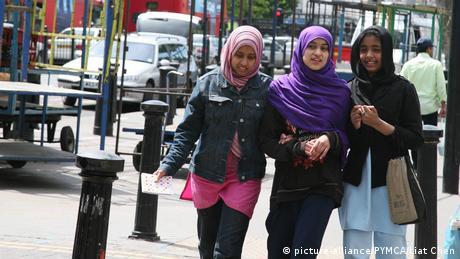 UN-Report: Fremdenfeindlichkeit in Großbritannien nimmt zu (picture-alliance/PYMCA/Liat Chen)