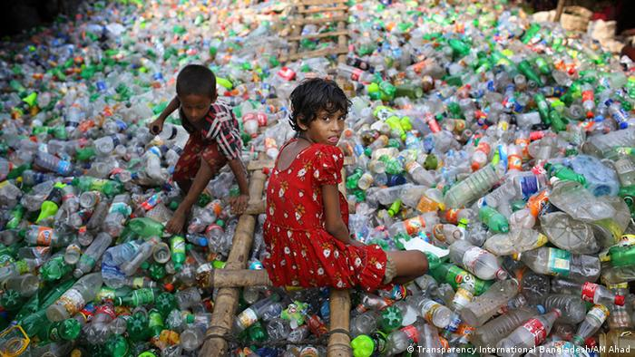 Bangladesh Dhaka Plastik (Transparency International Bangladesh/AM Ahad)