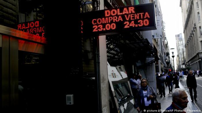 Argentinien Währungskrise (picture-alliance/AP Photo/N. Pisarenko)