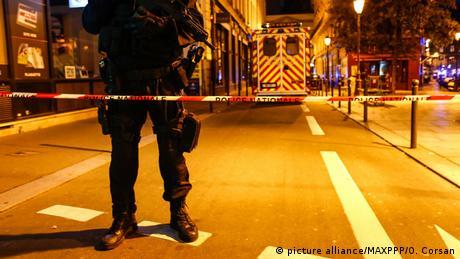 Нападник з ножем у Парижі поранив 7 людей