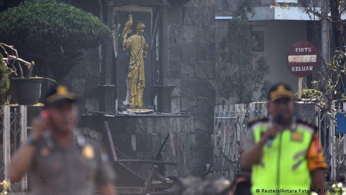 印尼泗水三座教堂在10分鐘內接連發生爆炸。