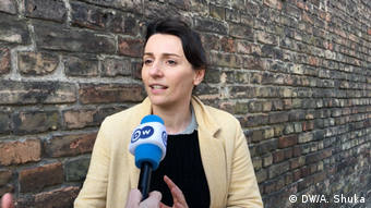 Fatime Kosumi, deutsch-kosovarische Sängerin (DW/A. Shuka)