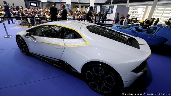 Monaco Versteigerung Lamborghini von Papst Franziskus (picture-alliance/Maxppp/J.F. Ottonello)