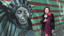 Teheran Theresa Tropper vor ehemaliger US-Botschaft