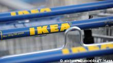 Ikea Einkaufswägen mit dem Logo