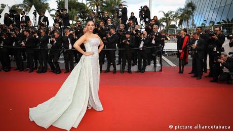 Indische Schauspielerin Aishwarya Rai beim Cannes Filmfestival 2018 (picture alliance/abaca)