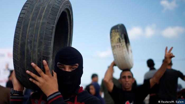 Proteste im Gazastreifen an der Grenze zu Israel (Reuters/M. Salem)
