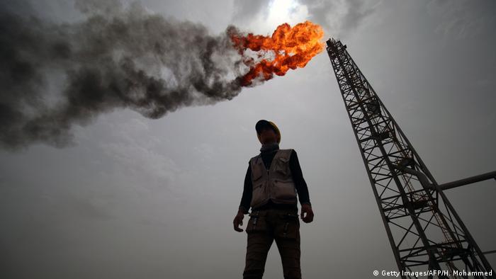 Irak Symbolbild Ölfeld bei Basra (Getty Images/AFP/H. Mohammed)