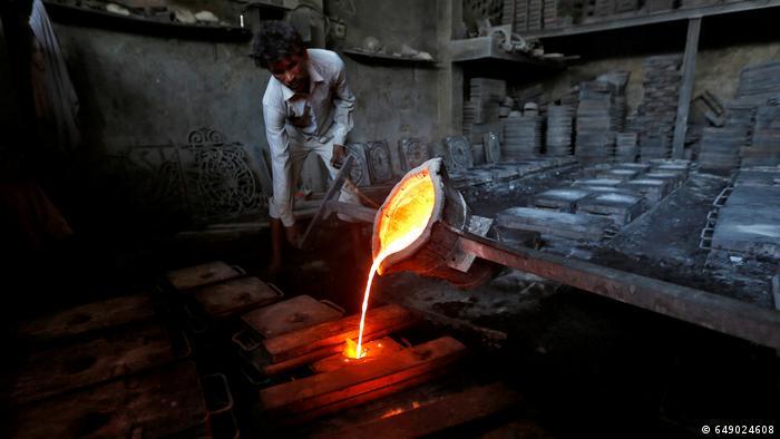 Indien Eisenwerk in Ahmedabad (649024608)