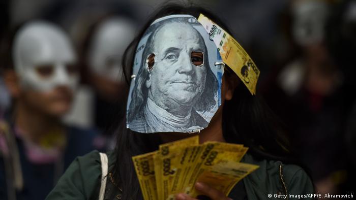 Argentinien Proteste gegen Wirtschaftspolitik (Getty Images/AFP/E. Abramovich)