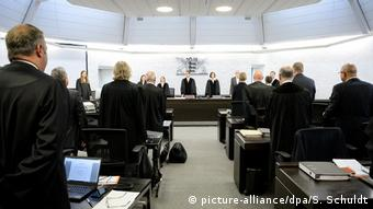 Heckler & Koch trial (picture-alliance/dpa/S. Schuldt)