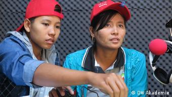 Das Radio machen die Menschen vor Ort mit Themen, die für sie wichtig sind, etwa Gesundheit und Bildung.