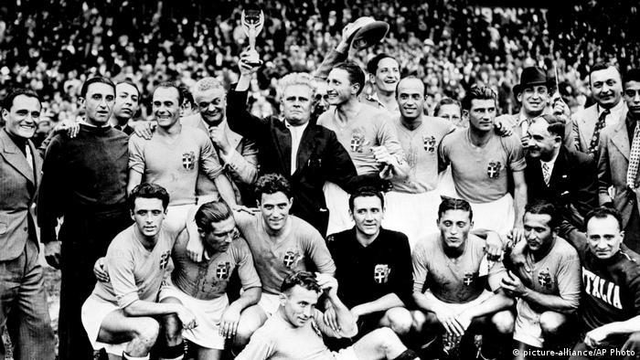 Fussball WM 1938 - Italient gewinnt (picture-alliance/AP Photo)