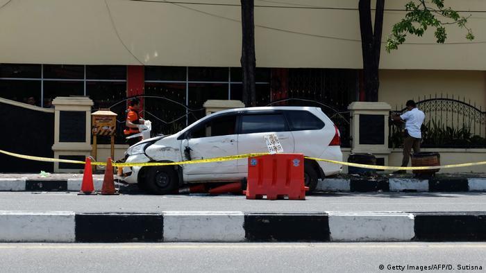 Indonesien Riau Anschlag (Getty Images/AFP/D. Sutisna)