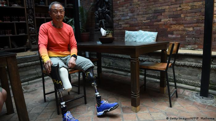 El montañista chino Xia Boyu perdió las dos piernas al intentar escalar el Everest.