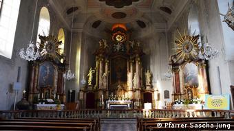 Flörsheim St. Gallus Kirche innen (Pfarrer Sascha Jung)