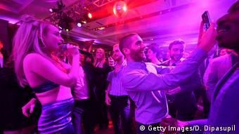Kim Petras bei einem Konzert (Getty Images/D. Dipasupil)