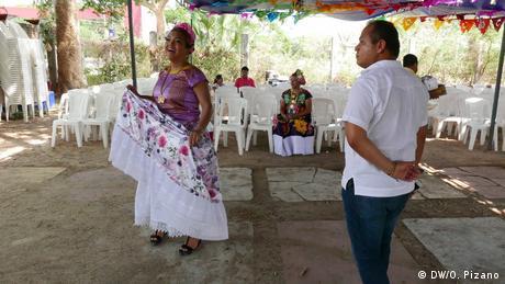 Mexiko Oaxaca Muxes de Oaxaca (DW/O. Pizano)