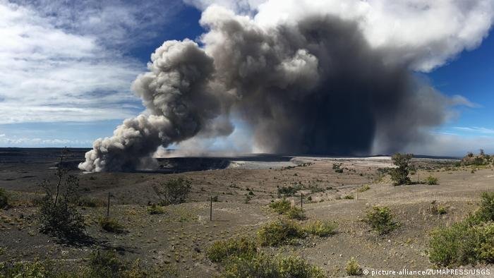 A new powerful eruption at the Kilauea volcano in Hawaii (picture-alliance/ZUMAPRESS/USGS)