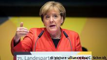 Bundeskanzlerin Angela Merkel (CDU) spricht am 09.09.2017 beim Parteitag der CDU Baden-Württemberg in der Stadthalle in Reutlingen (Baden-Württemberg) zu Parteimitgliedern. Foto: Christoph Schmidt/dpa +++(c) dpa - Bildfunk+++   Verwendung weltweit