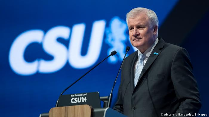 Horst Seehofer - CSU (picture-alliance/dpa/S. Hoppe)