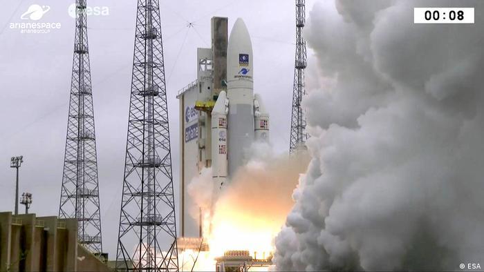 Старт ракети Ariane 5 з чотирма супутниками Galileo з космодрому Куру, грудень 2017 року