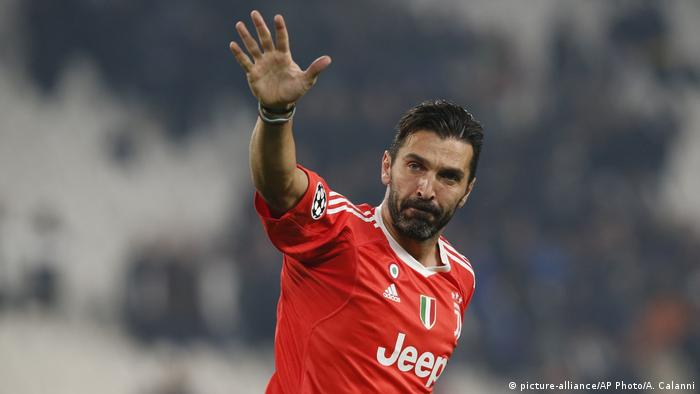 Fußball Juventus Turin - Torhüter Gianluigi Buffon (picture-alliance/AP Photo/A. Calanni)