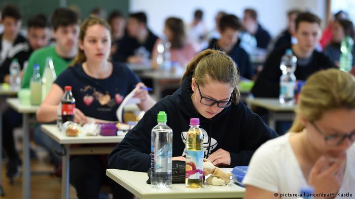 Письменный экзамен в одной из немецких школ