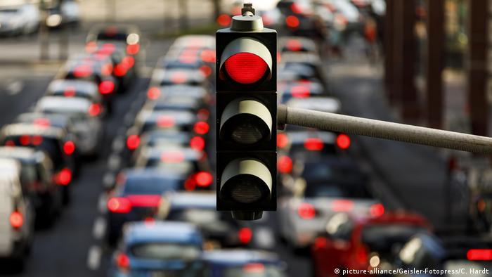В Україні хочуть посилити контроль над підготовкою водіїв та видачею їм прав