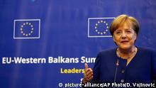 17.05.2018, Bulgarien, Sofia: Bundeskanzlerin Angela Merkel (CDU) gibt eine Pressekonferenz im Rahmen eines Treffens der EU-Staats- und Regierungschefs in der bulgarischen Hauptstadt. Bundeskanzlerin Merkel berät mit ihren EU-Kollegen über die EU-Perspektiven für die Länder Serbien, Montenegro, Albanien, Mazedonien, Bosnien-Herzegowina und Kosovo sowie Fragen der wirtschaftlichen Zusammenarbeit. Foto: Darko Vojinovic/AP/dpa +++(c) dpa - Bildfunk+++ |