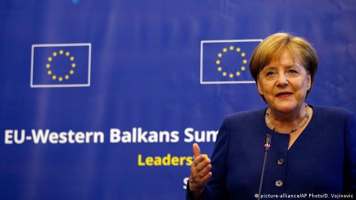 Angela Merkel la Sofia (picture-alliance/AP Photo/D. Vojinovic)