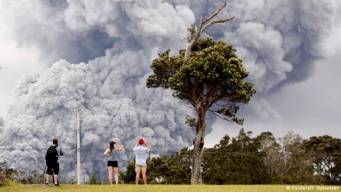 Eruption at Hawaii's Kilauea Volcano sends ash 30000 feet into air