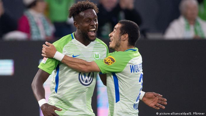 Bundesliga Yunus Malli Inspires Wolfsburg To Relegation Playoff Advantage Sports German Football And Major International Sports News Dw 17 05 2018