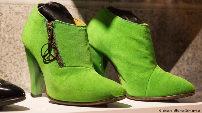 Green high-heeled boots belonging to Prince (picture-alliance/Zumapress)