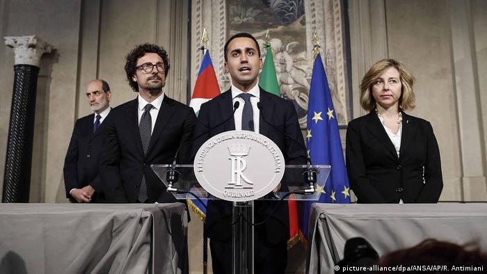 Luigi Di Maio i predstavnici pokreta Pet zvjezdica
