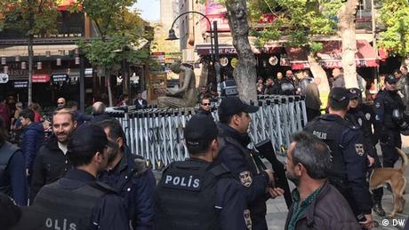 Στο στόχαστρο του Ερντογάν οι δημόσιοι υπάλληλοι