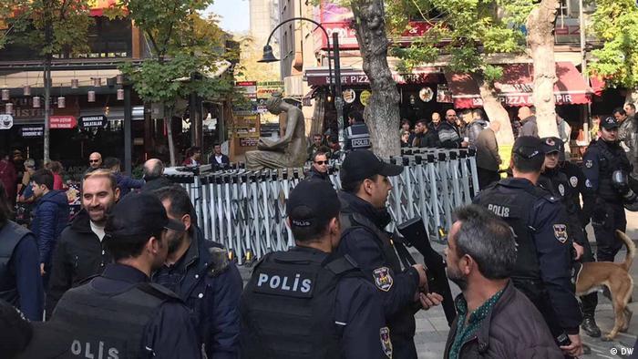 Türkei Menschenrechtsdenkmal in Ankara